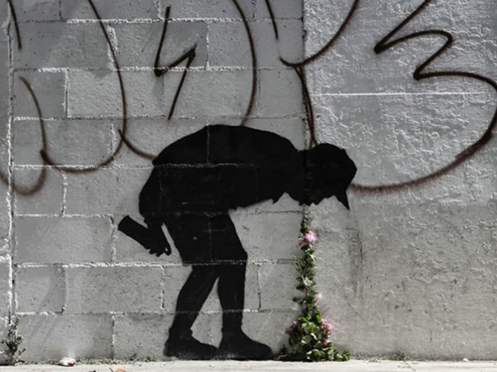 banksy-better-out-than-in-new-street-piece-in-los-angeles-1