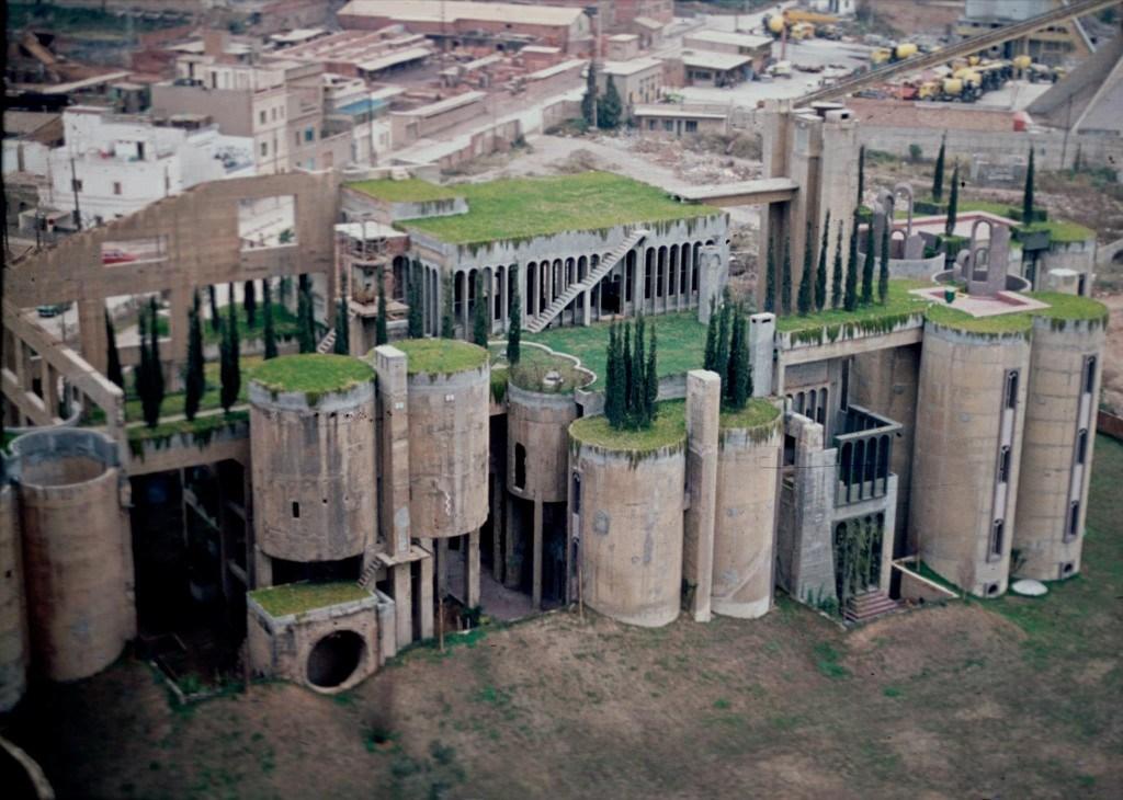 The taller de arquitectura ricardo bofill the vandallist - La maison barcelona ...