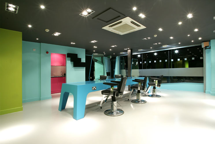 Jay z s barber johnny cake the vandallist for Beauty salons in manchester