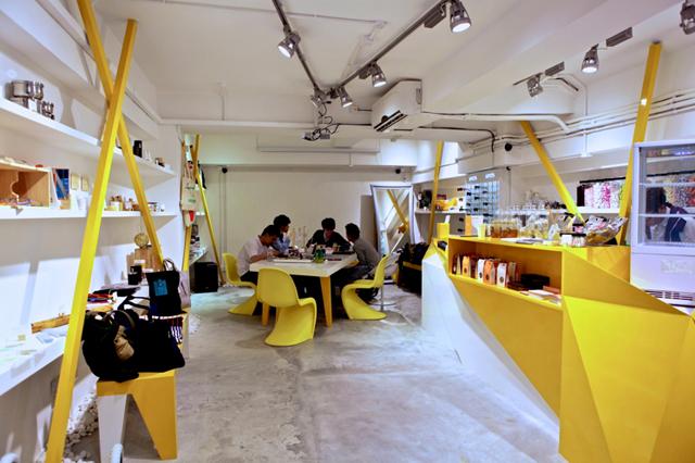 Konzepp store hong kong the vandallist for Retail space design