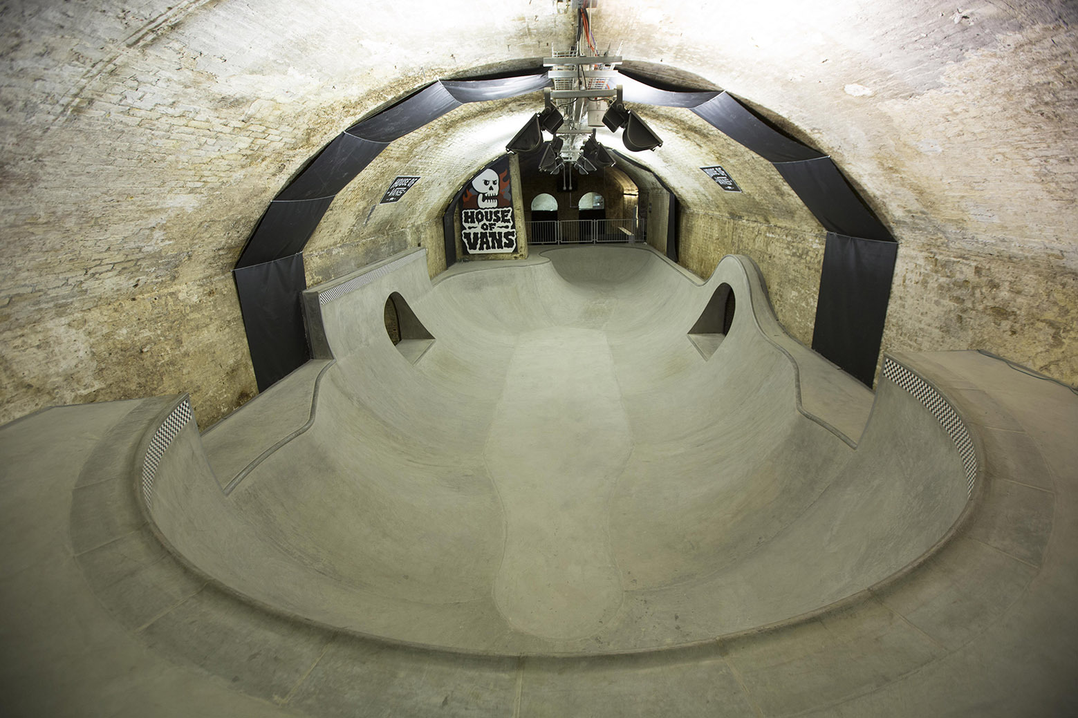 54b06746e58ece528e000054_house-of-vans-london-tim-greatrex_house_of_vans_london_skatepark_-5-