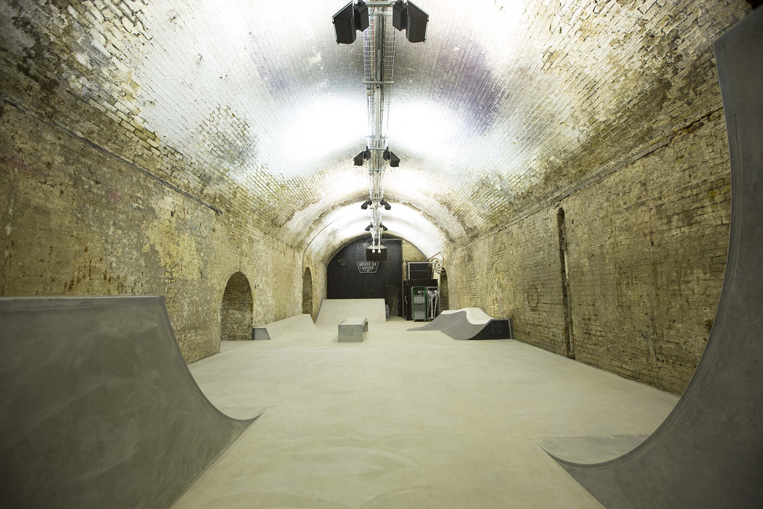 54b06762e58ecedabc000047_house-of-vans-london-tim-greatrex_house_of_vans_london_skatepark_-11-