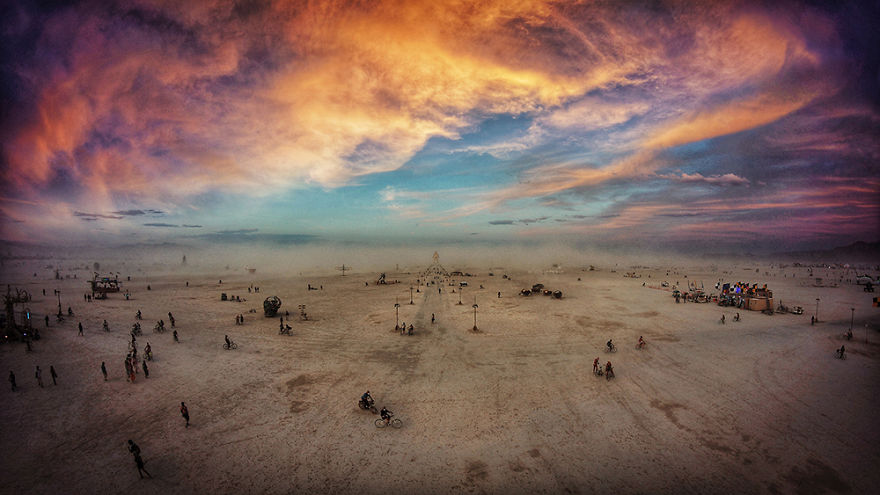 Surreal photographs from Burning Man 2014 - Vlist (16)