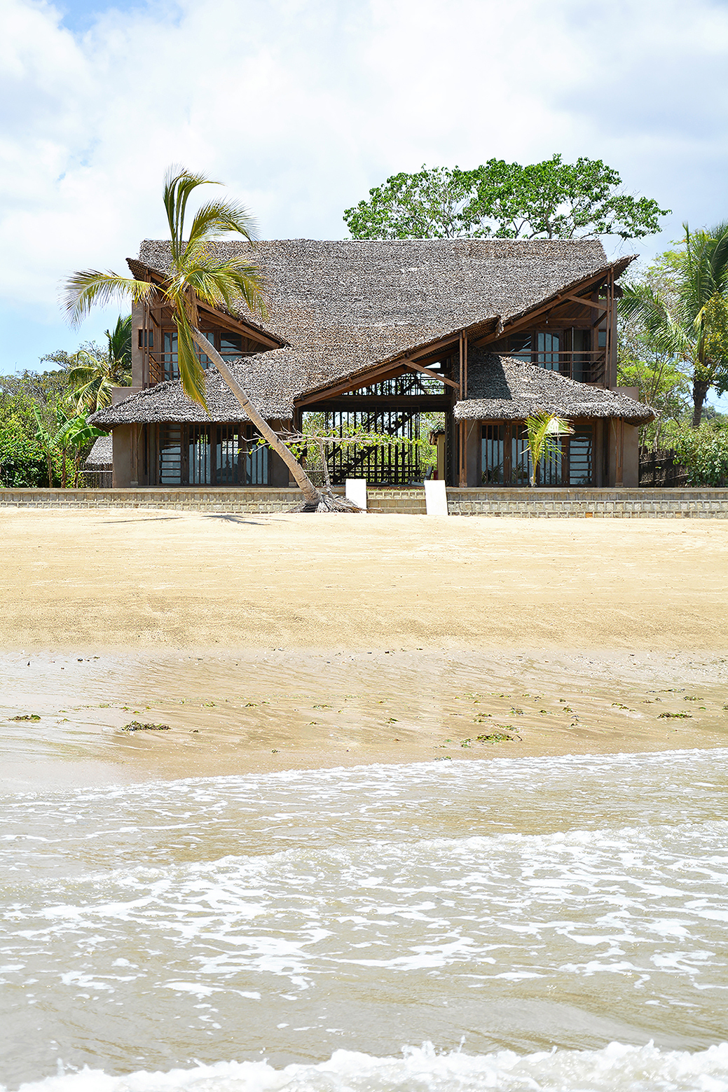 The Under Sails Beach House in Nosy Be, Madagascar - Vlist (13)