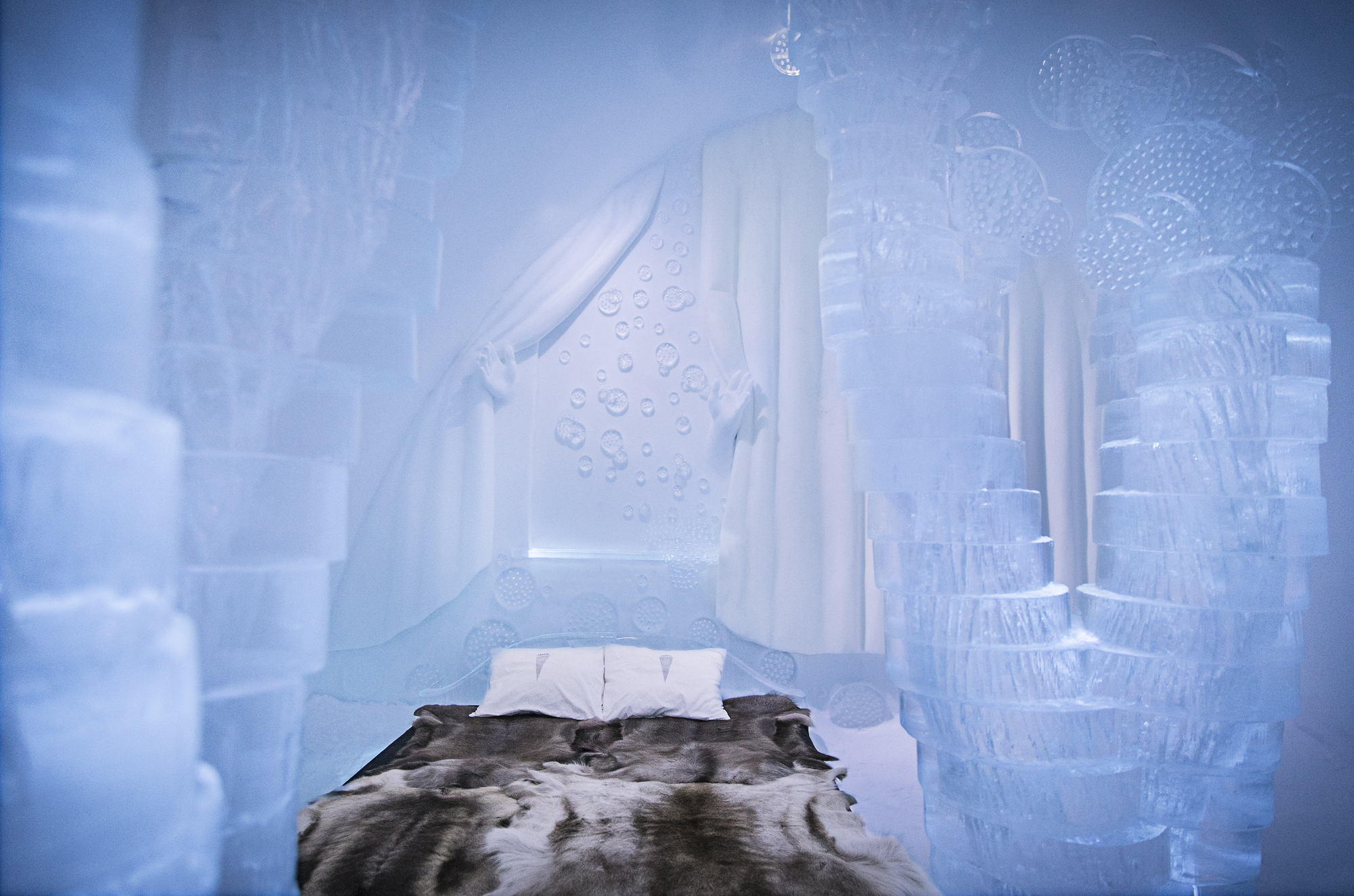 the-25th-annual-icehotel (15)