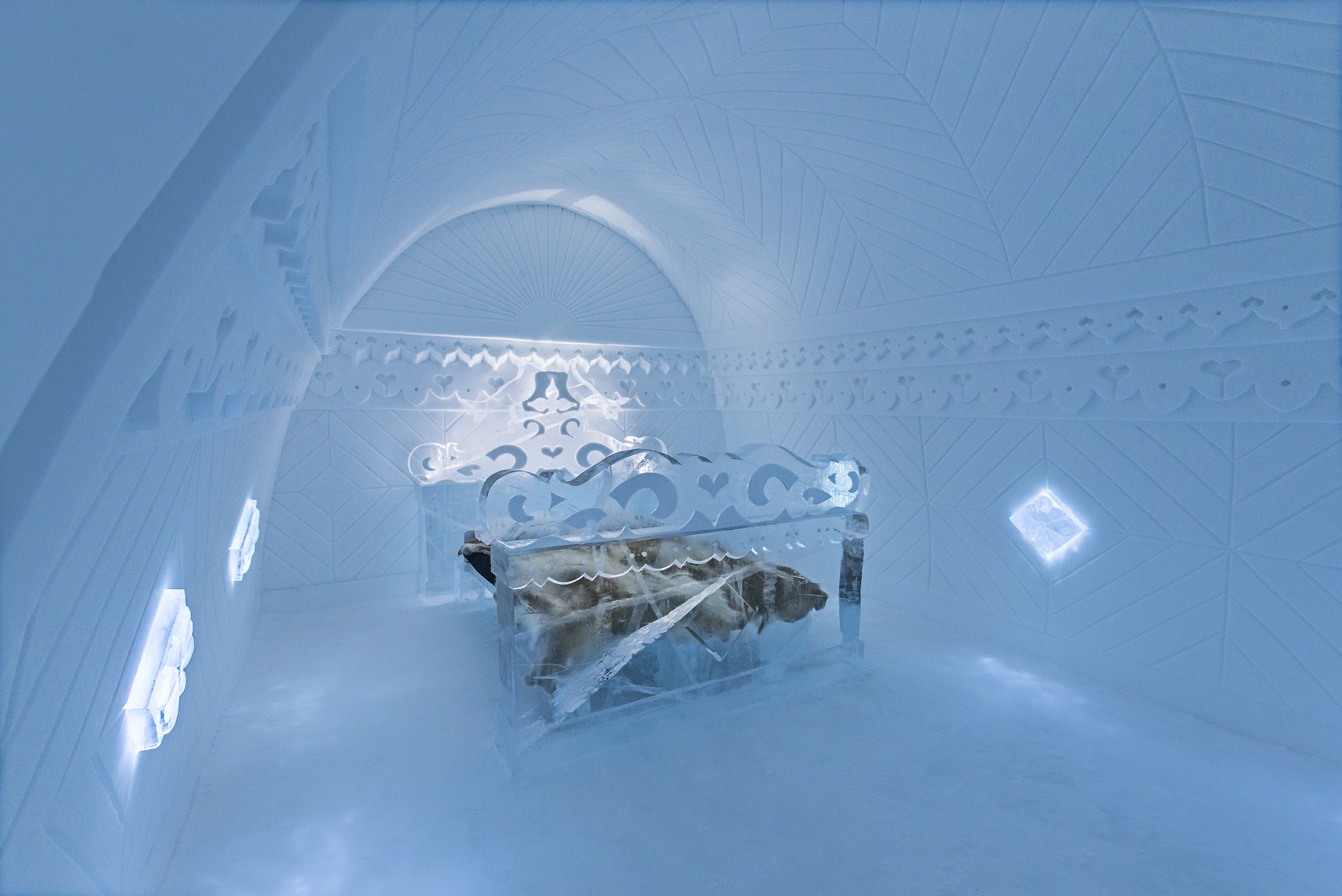 the-25th-annual-icehotel (9)
