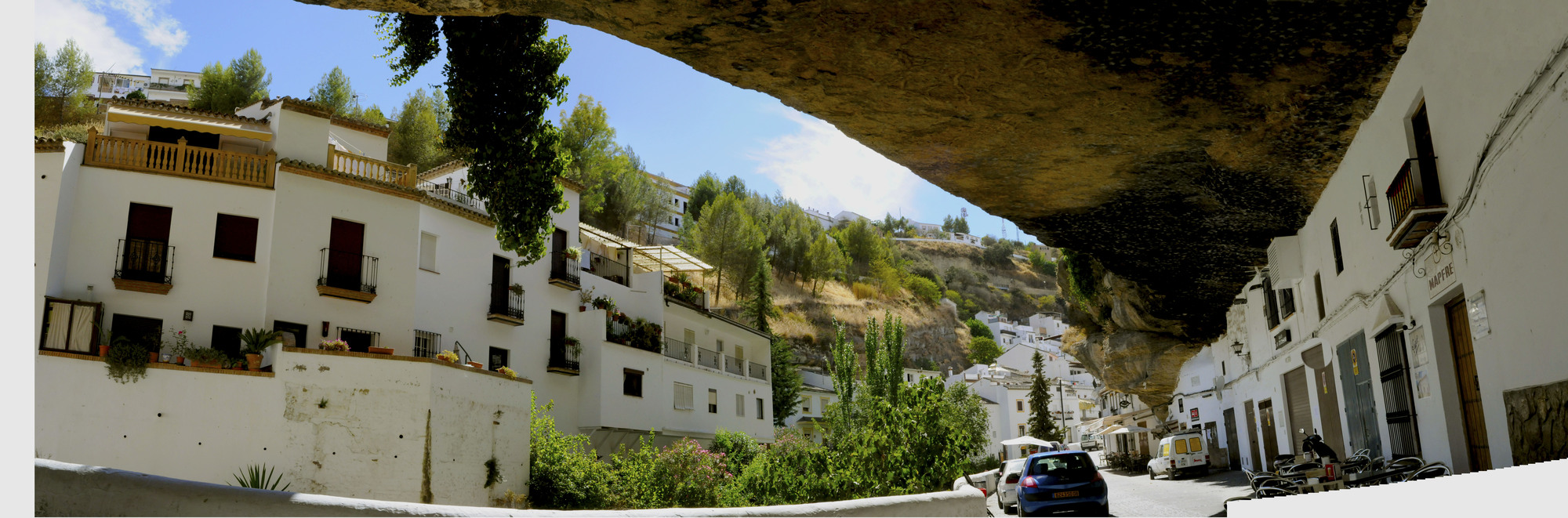 54e4c159e58ece21e0000032_living-under-a-rock-setenil-de-las-bodegas_juanjo