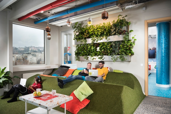 Google-office-by-Graphasel-Design-Studio-Budapest-Hungary-03