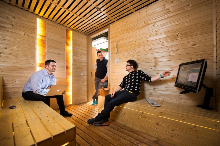 Google-office-by-Graphasel-Design-Studio-Budapest-Hungary-17