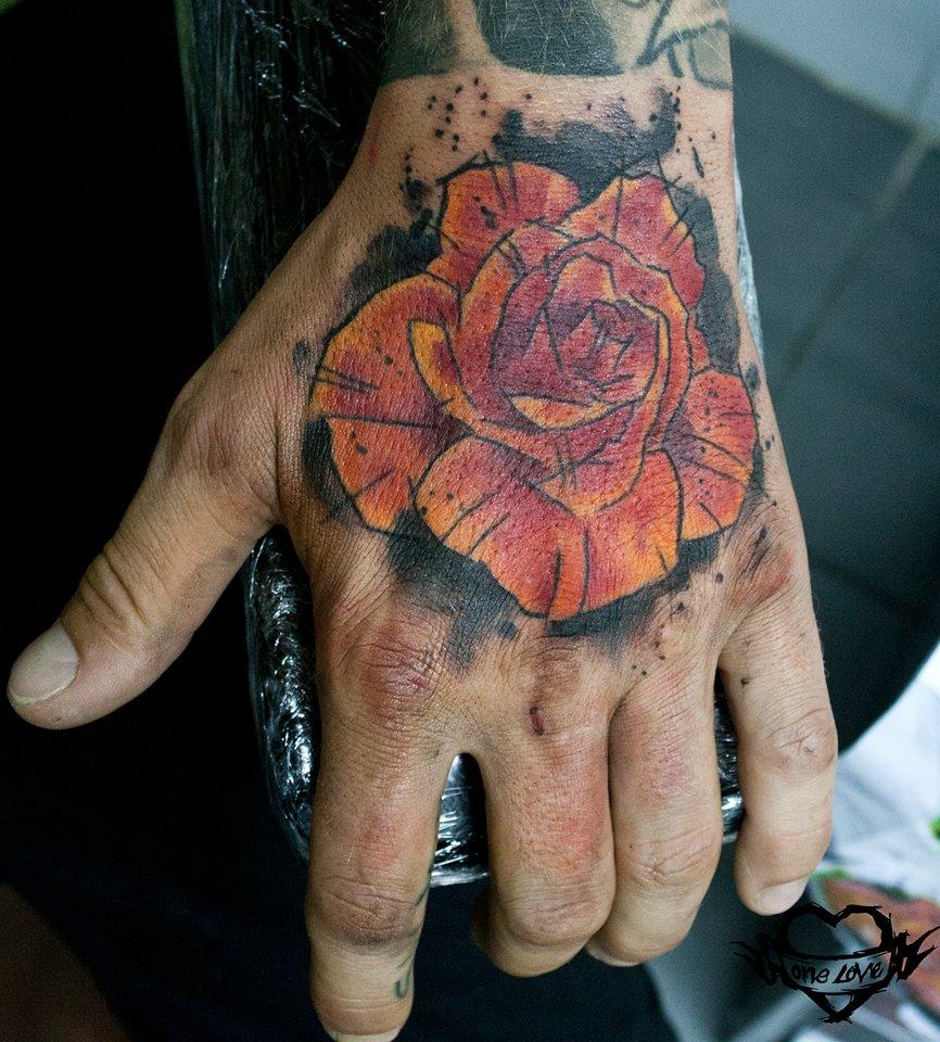 Mike Kyrtatas, tattoo artist (28)