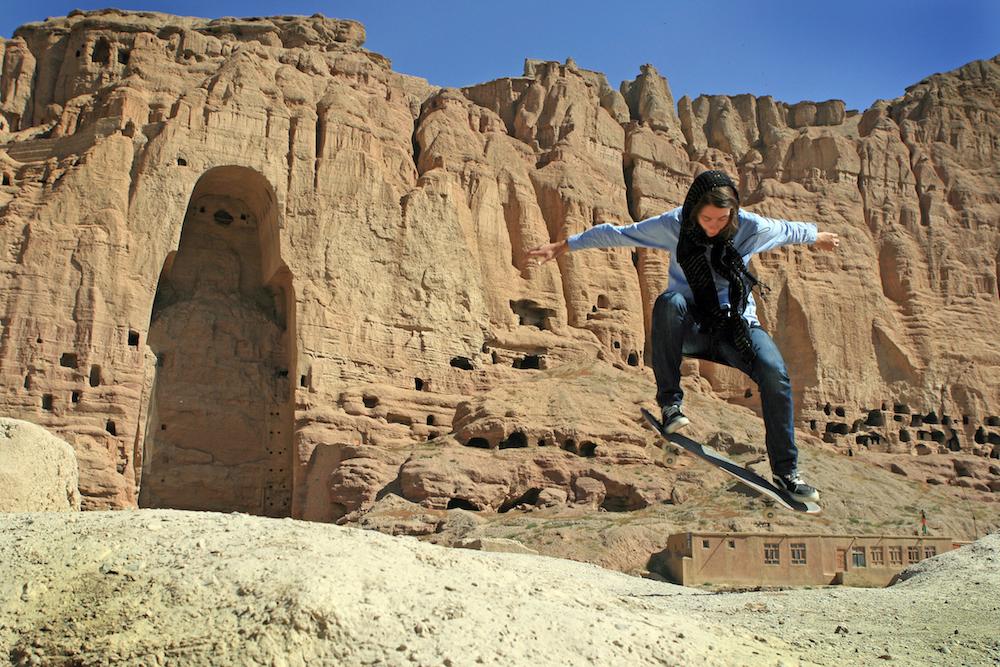 skateboarding-makes-afghan-girls-feel-free-881-body-image-1422548662