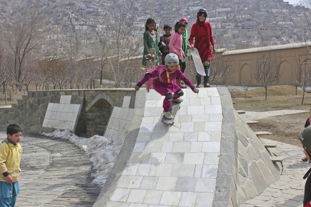 skateboarding-makes-afghan-girls-feel-free-881-body-image-1422548751