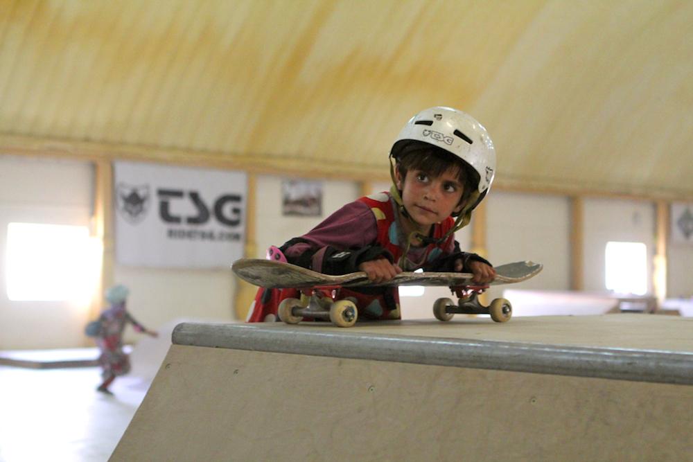 skateboarding-makes-afghan-girls-feel-free-881-body-image-1422548861
