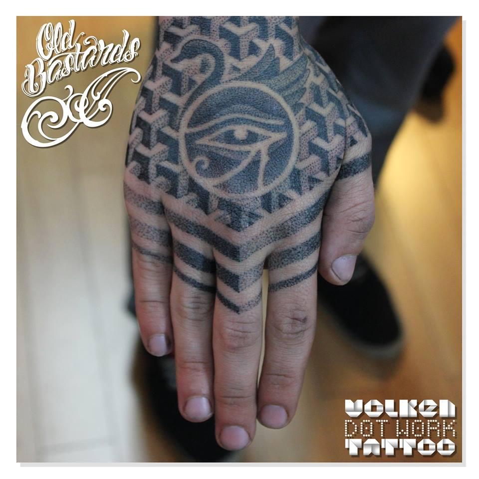 volken, tattoo artist - vlist (1)