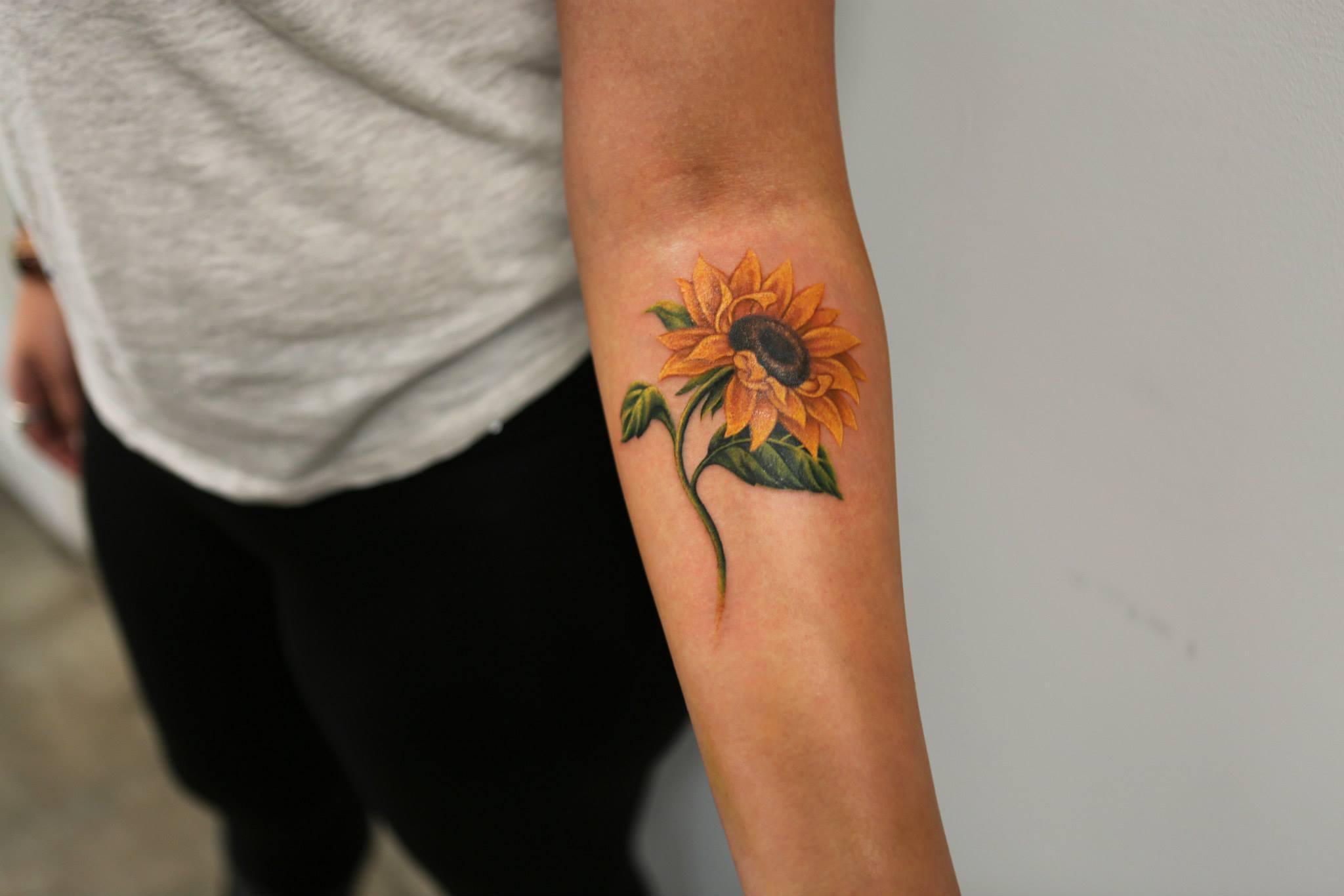Elizabeth Markov, tattoo artist (10)