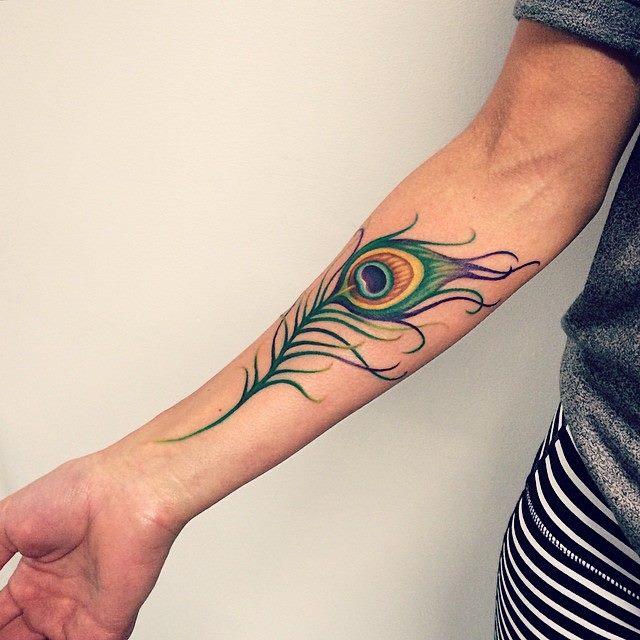 Elizabeth Markov, tattoo artist (7)