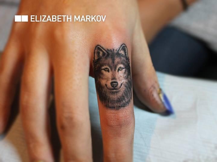 Elizabeth Markov, tattoo artist (9)