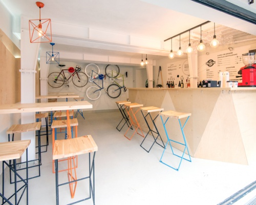 Have a coffee and get your bike fixed at Atelier Pinion, Bucharest