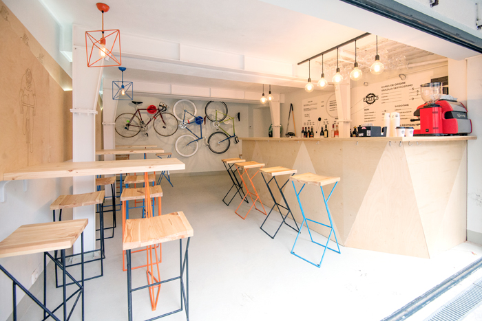 Have a coffee and get your bike fixed at Atelier Pinion, Bucharest (12)