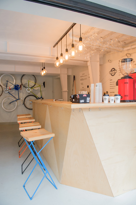 Have a coffee and get your bike fixed at Atelier Pinion, Bucharest (3)