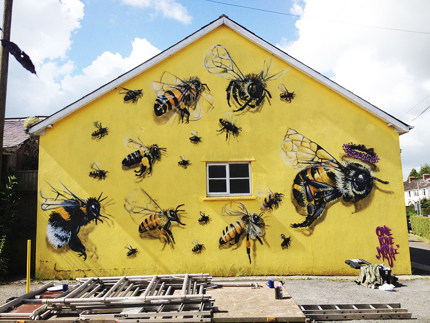 London Streets Painted With Bee Murals To Raise Awareness About Colony Collapse Disorder (2)