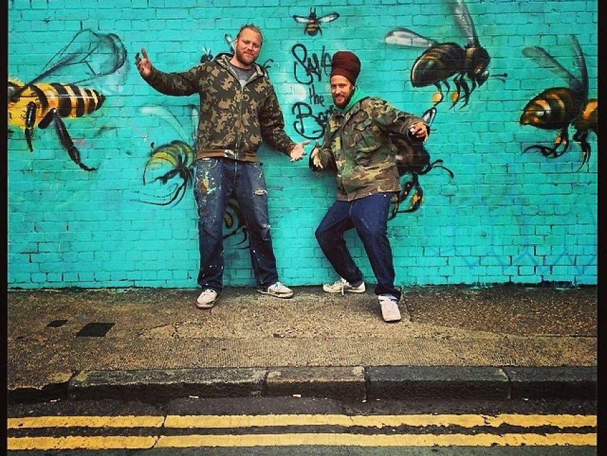 London Streets Painted With Bee Murals To Raise Awareness About Colony Collapse Disorder (3)