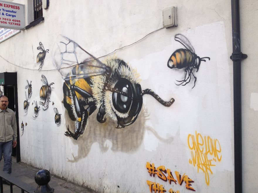 London Streets Painted With Bee Murals To Raise Awareness About Colony Collapse Disorder (4)
