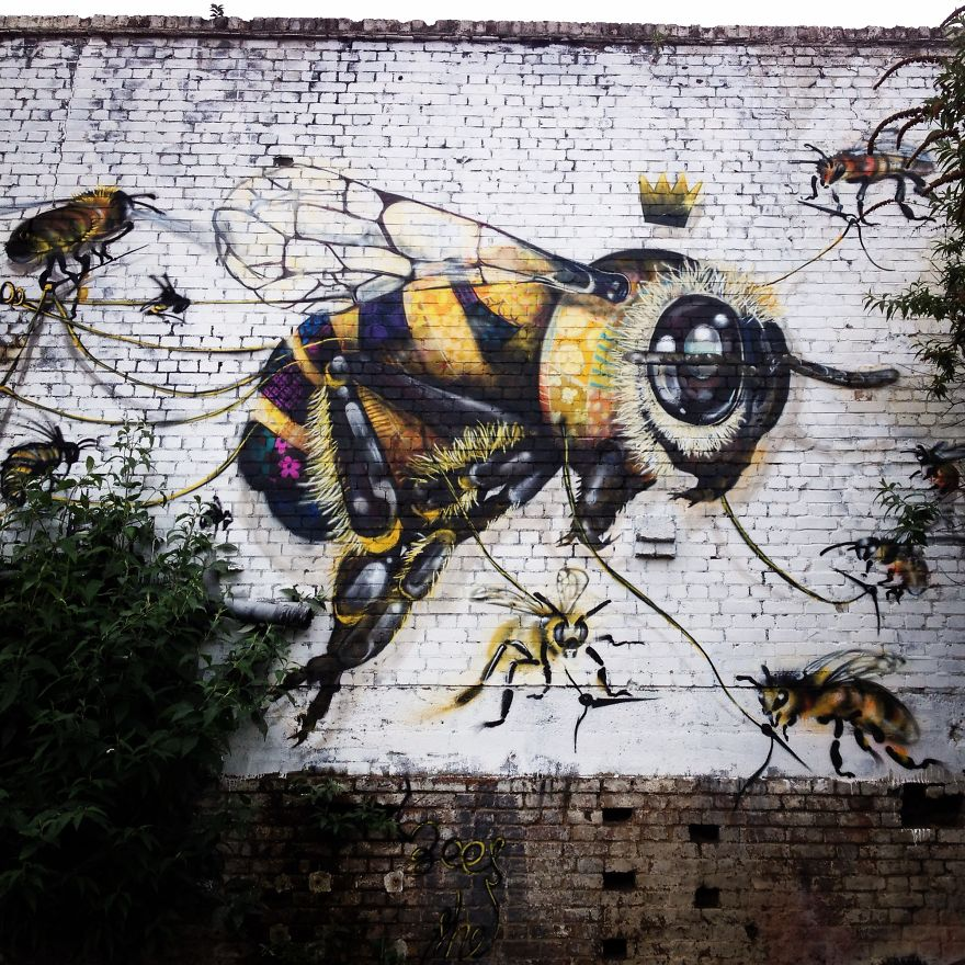 London Streets Painted With Bee Murals To Raise Awareness About Colony Collapse Disorder (5)