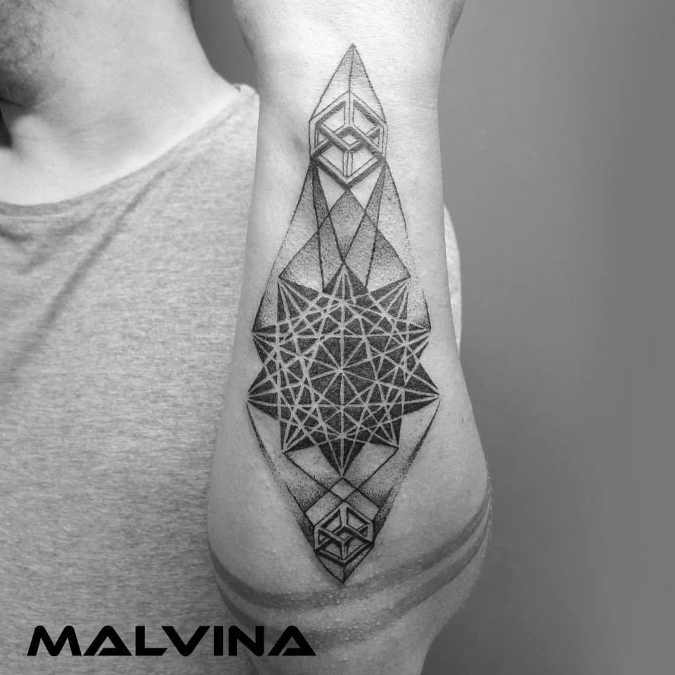 Malvina Wisniewska, tattoo artist VLIST (8)