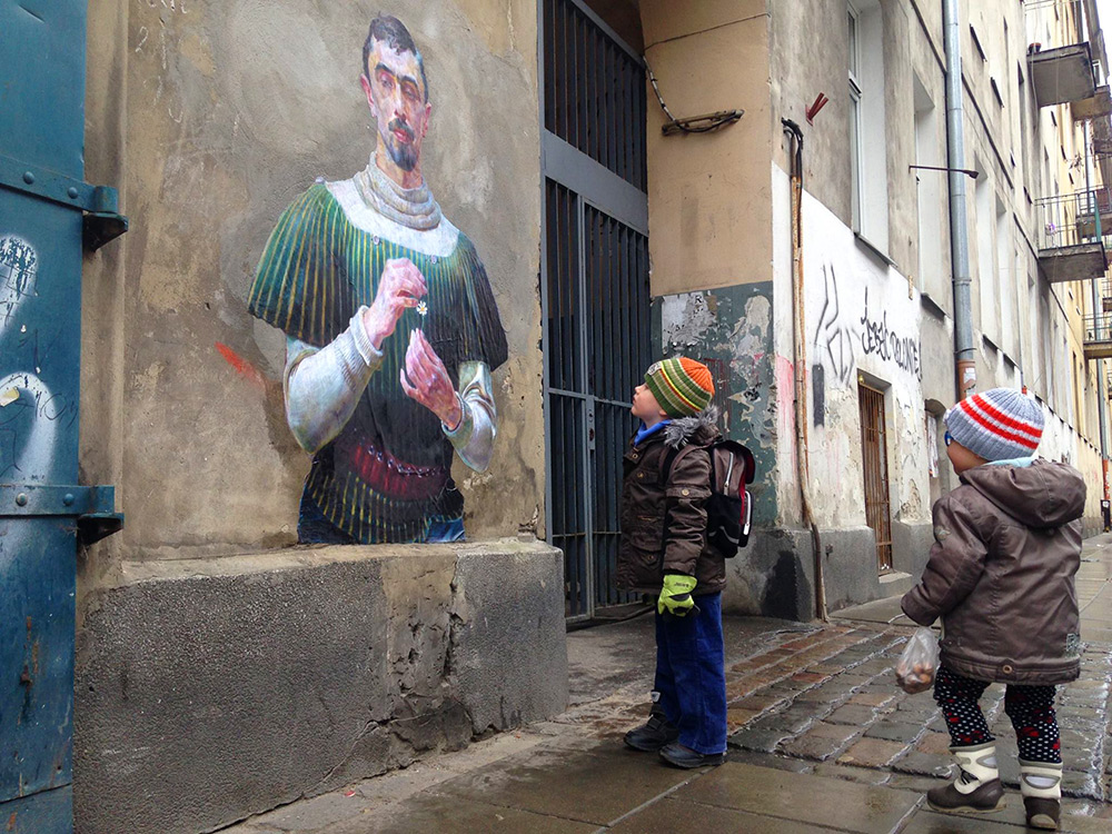 Released Paintings of Anonymous Figures out of Museums and onto the Streets through a Global Art Project (2)