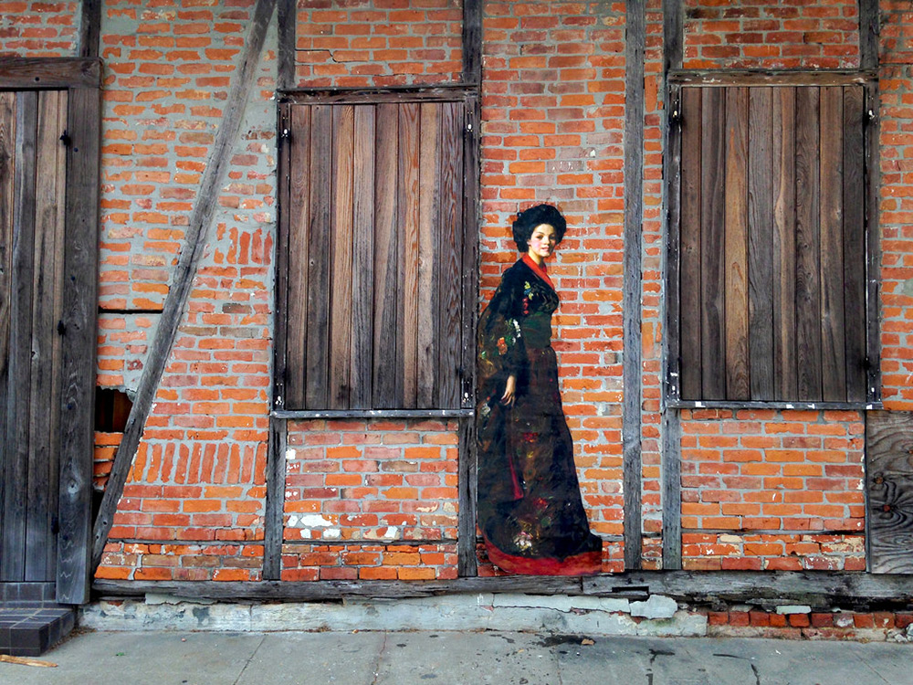Released Paintings of Anonymous Figures out of Museums and onto the Streets through a Global Art Project (8)