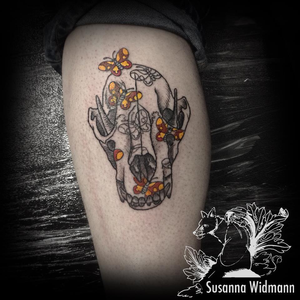 Susanna, Scratchline Tattoo (1)