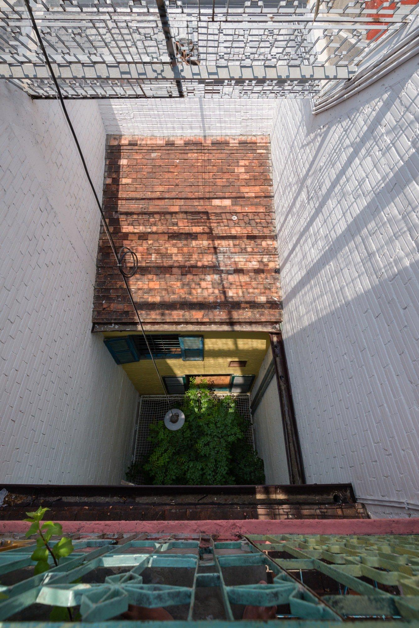 A house like no other Saigon House by a21studio - the vandallist (15)