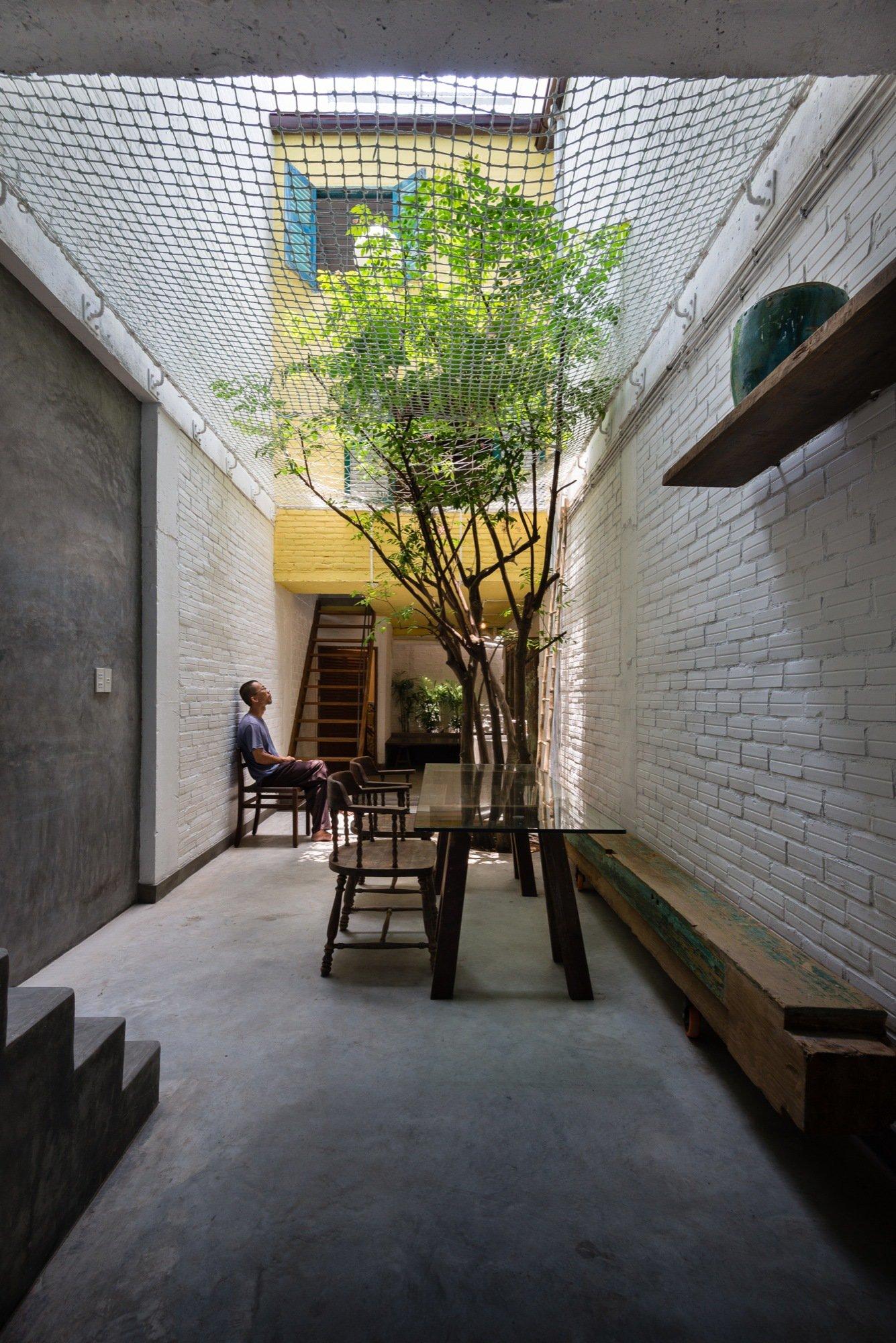 A house like no other Saigon House by a21studio - the vandallist (17)
