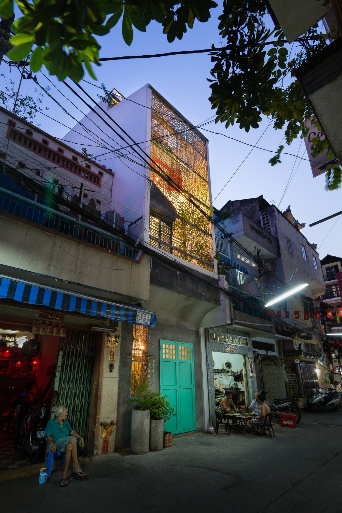 A house like no other Saigon House by a21studio - the vandallist (3)