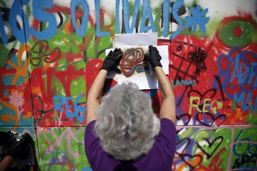 Lisbon is Overthrowing Street Art Clichés through Creative Workshops for Older People - the vandallist (11)