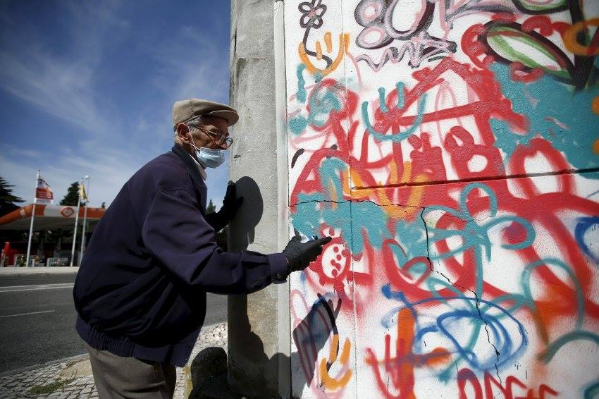 Lisbon is Overthrowing Street Art Clichés through Creative Workshops for Older People - the vandallist (12)