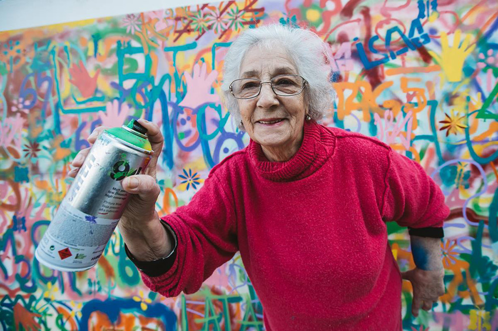 Lisbon is Overthrowing Street Art Clichés through Creative Workshops for Older People - the vandallist (5)