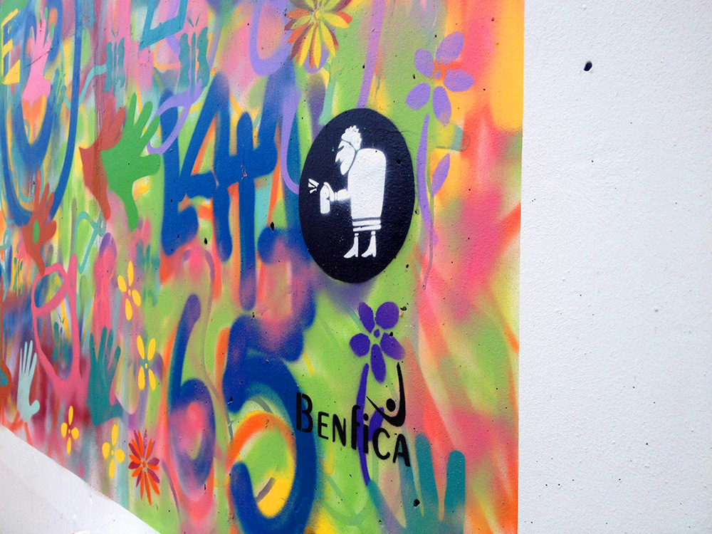Lisbon is Overthrowing Street Art Clichés through Creative Workshops for Older People - the vandallist (8)