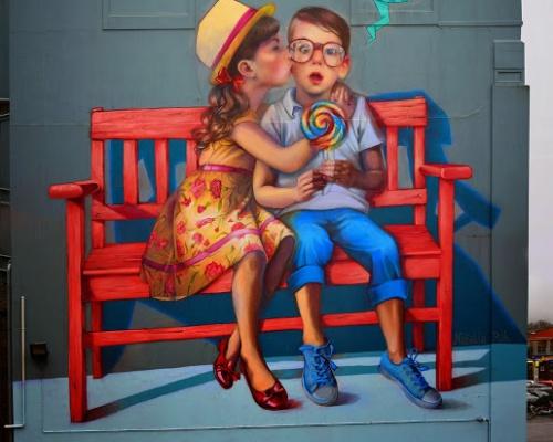 "Natalia Rak paints ""Love Is In The Air"" in Dunedin, New Zealand"