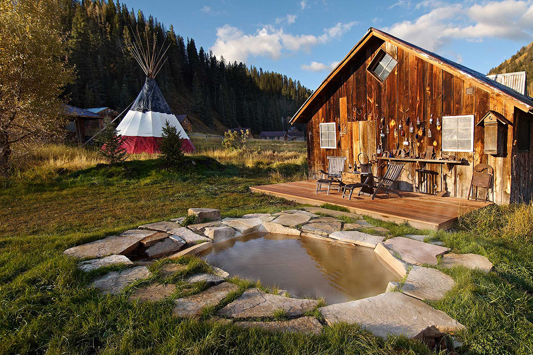 Breathtaking landscapes in Dunton Hot Spring Resort, Colorado - the vandallist (3)