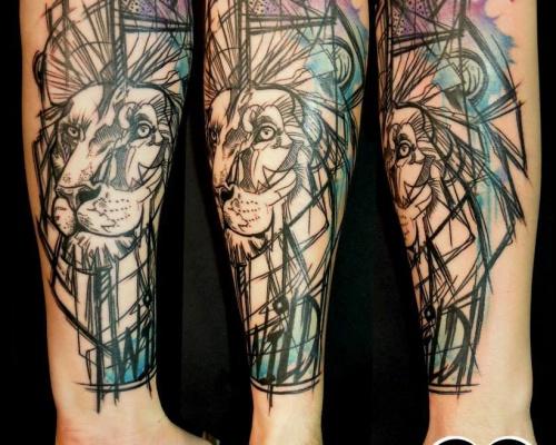 Charlotte Chadeau – tattoo artist at La Bobine Tattoo Club