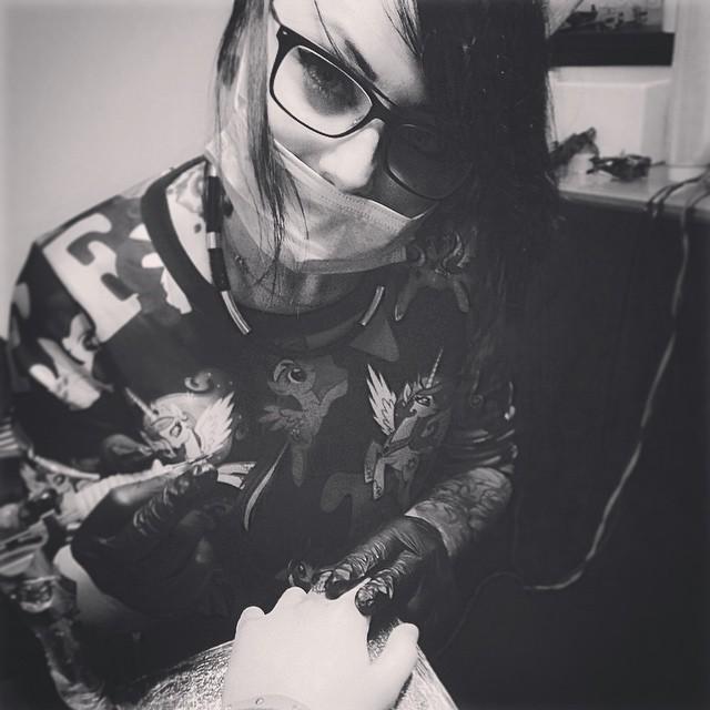 Inez Janiak, tattoo artist - the vandallist (7)