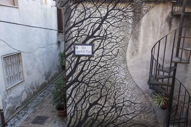 Pablo S. Herrero unveils a new mural in Sapri, Italy - THE VANDALLIST (1)