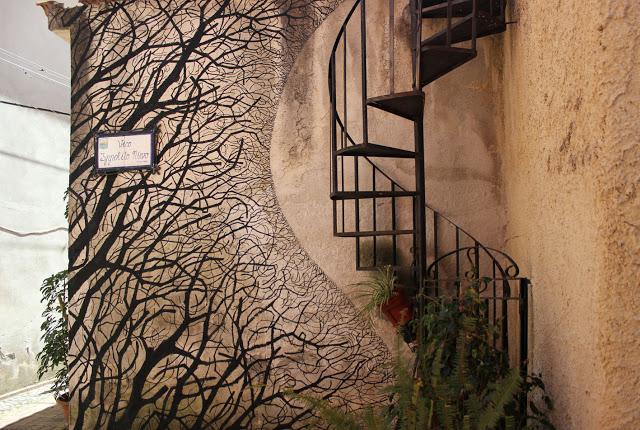 Pablo S. Herrero unveils a new mural in Sapri, Italy - THE VANDALLIST (3)