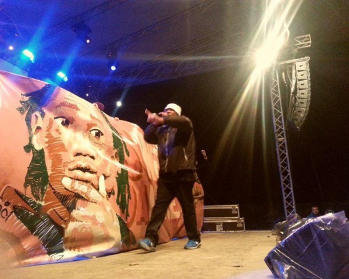 Sweet Damage On Stage with KRS One @ Airfield Festival