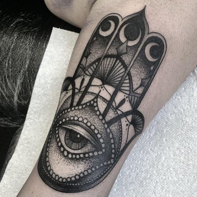 Kelly Violet, tattoo artist - the vandallist (11)