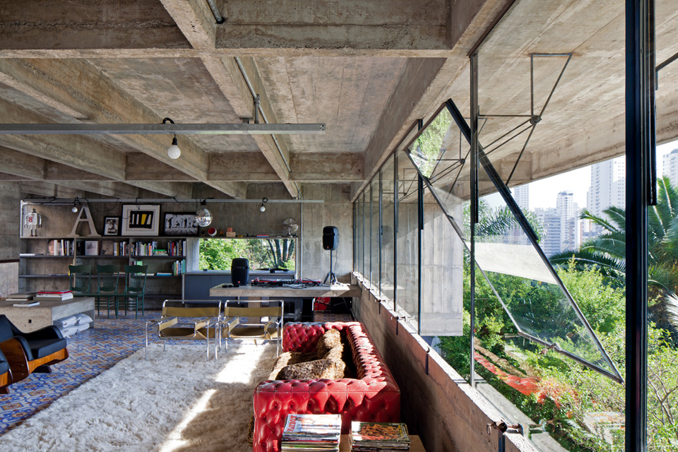 The beautiful residence of a great architect Paulo Mendes Da Rocha - the vandallist (2)