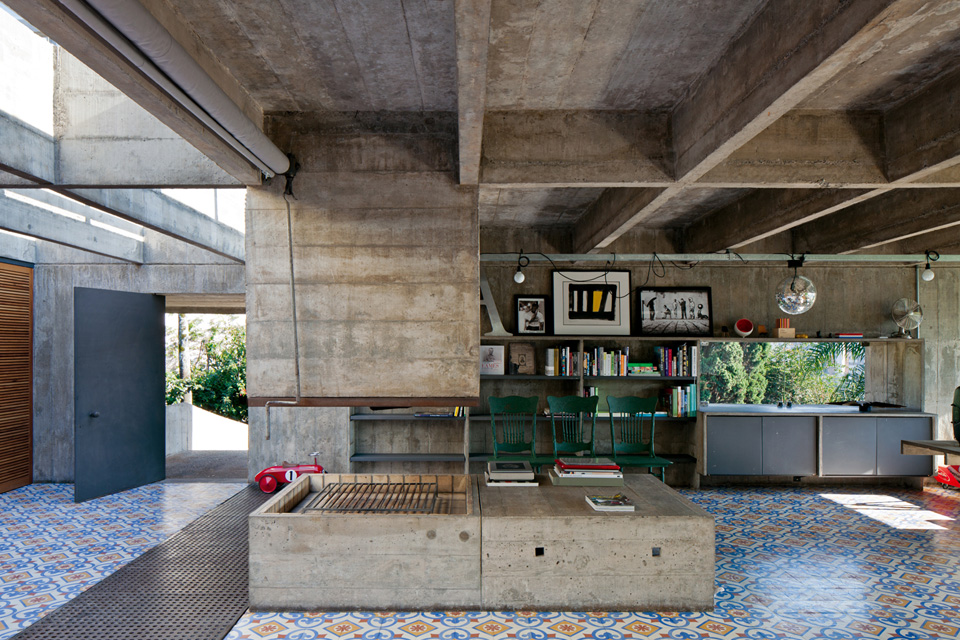The beautiful residence of a great architect Paulo Mendes Da Rocha - the vandallist (7)