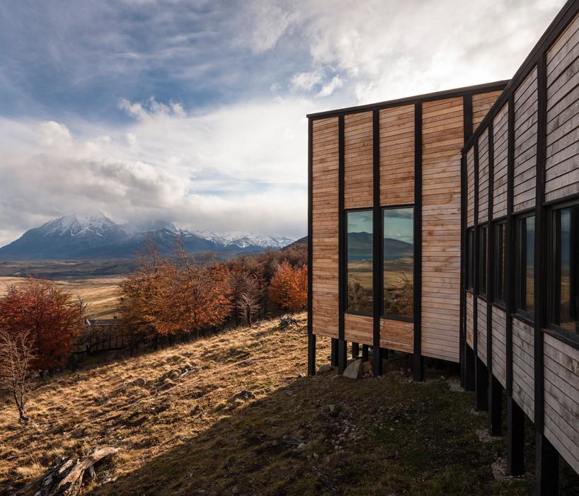 felipe-assadi-arquitectos-awasi-patagonia-chile-designboom-04